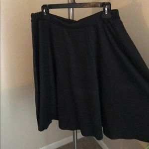 Bobeau mid length black skirt